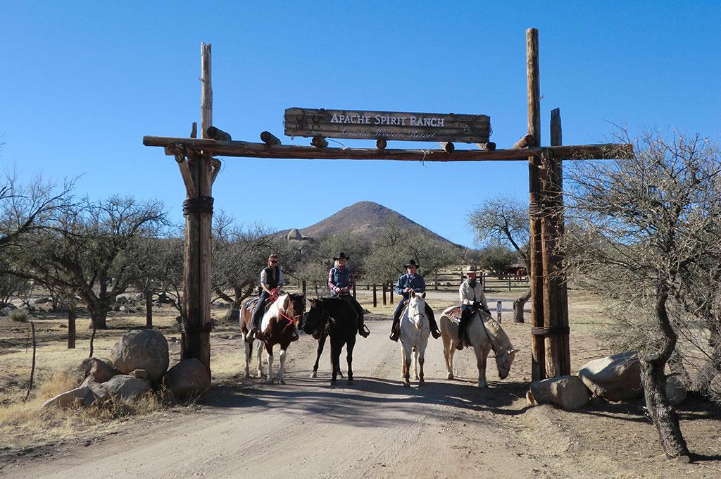 Horsemanship und Geländetraining in Arizona